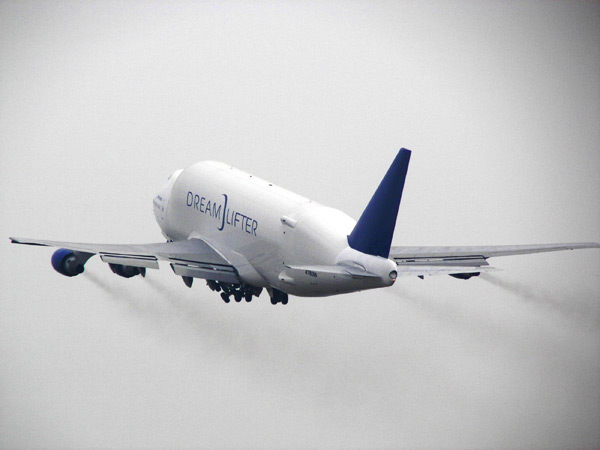 The second Boeing 747-400 Dreamlifter completed its first flight on Feb. 16, 2007 in Taipei.