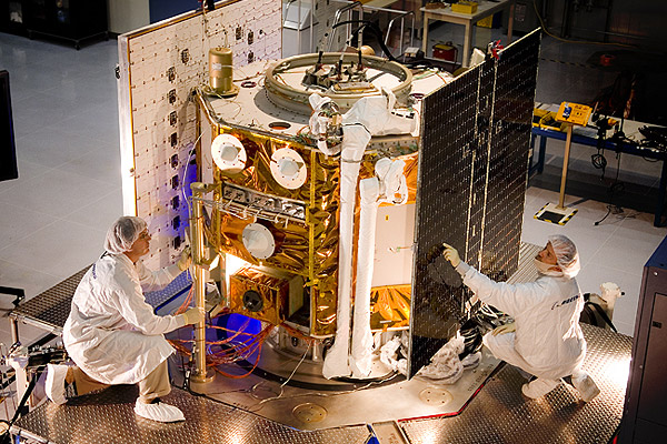 06-04-26e - Orbital Express ASTRO spacecraft during final integration