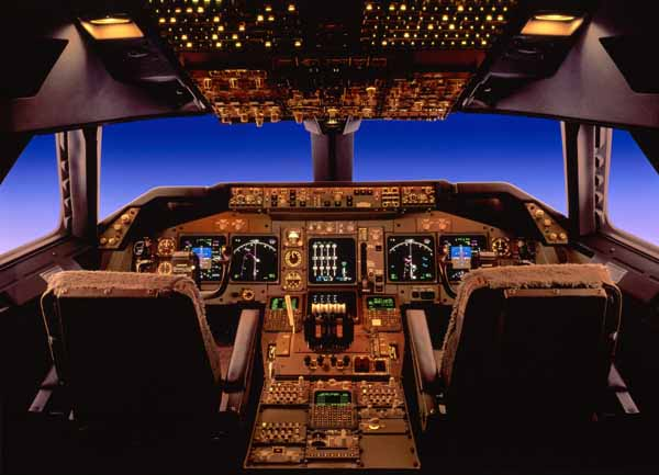 Boeing 747-400 flight deck