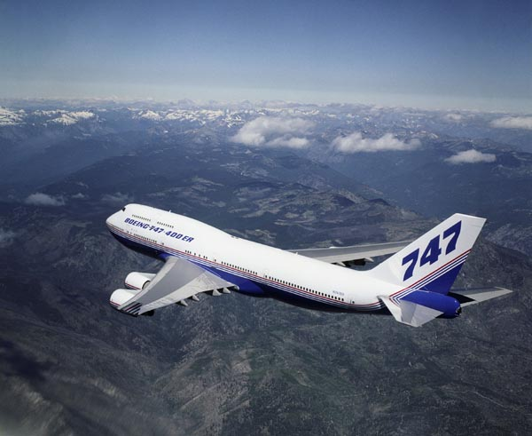 Boeing 747-400ER in flight