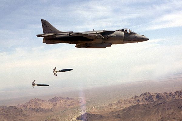 AV-8B Harrier II dropping bombs