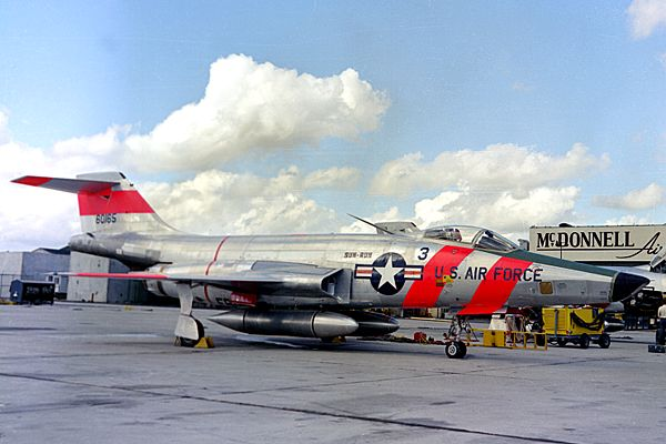 RF-101 (McDonnell 1957)