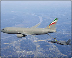 F15 being refueled by a 767 Tanker (Neg#: F15_767Tanker)