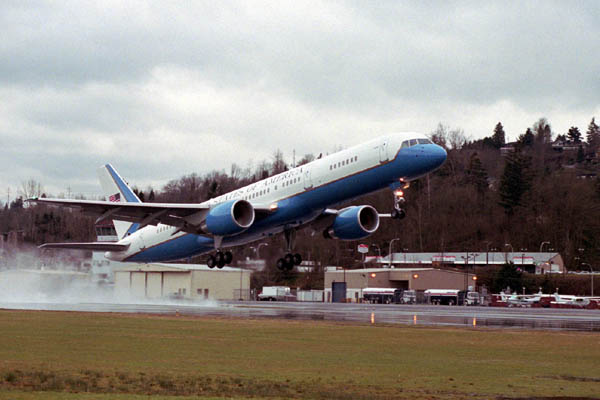 C-32A Executive Transport taking off