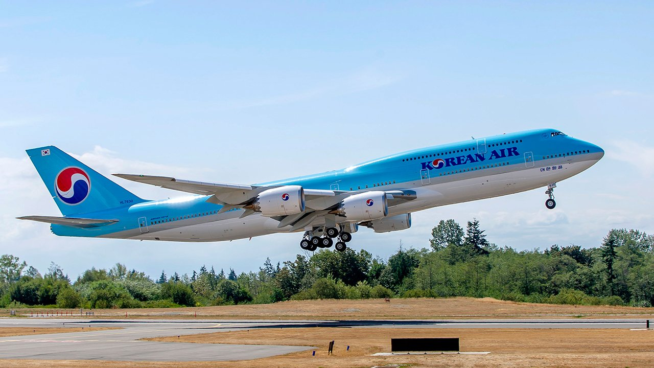 Korean Airlines Receives Their First 747-8 Intercontinental
