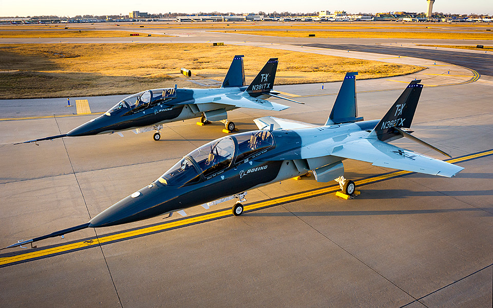 http://www.boeing.com/resources/boeingdotcom/defense/t-x/gallery/t-x_onground_new2_960x600.jpg