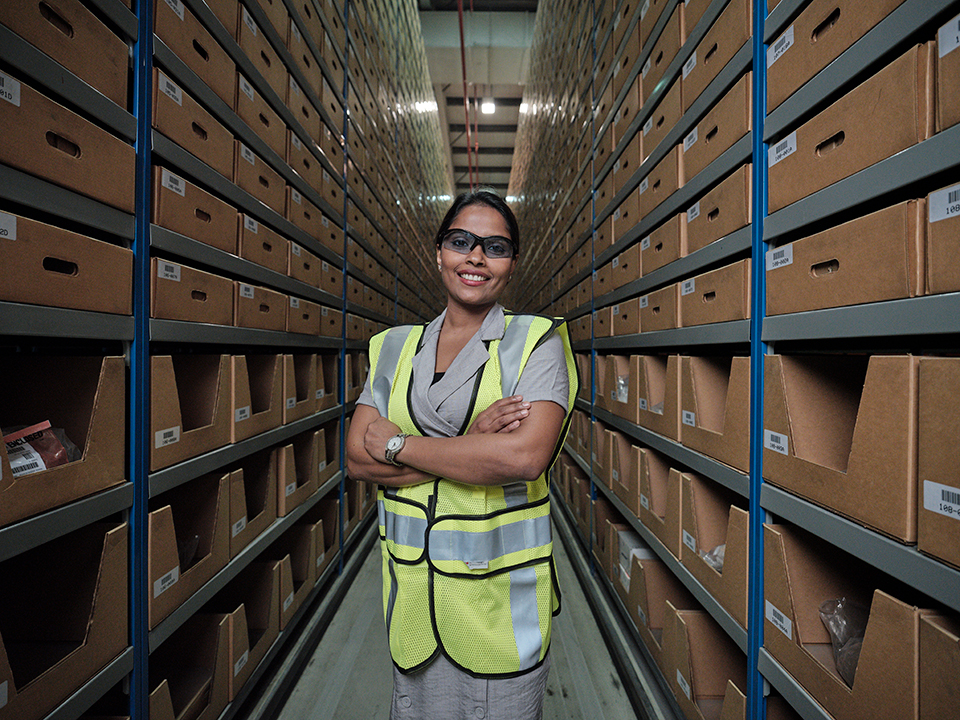 Rajini Jayathilaka, Distribution Services salespeople