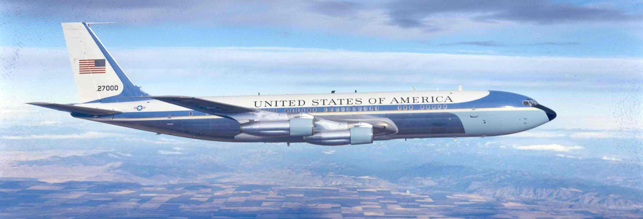 Boeing historical snapshot air force one for Force interieur